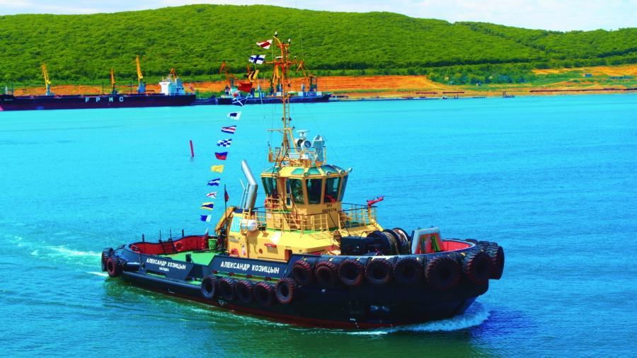 Экипаж морского буксира АО «Восточный Порт» пришел на помощь моряку иностранного судна