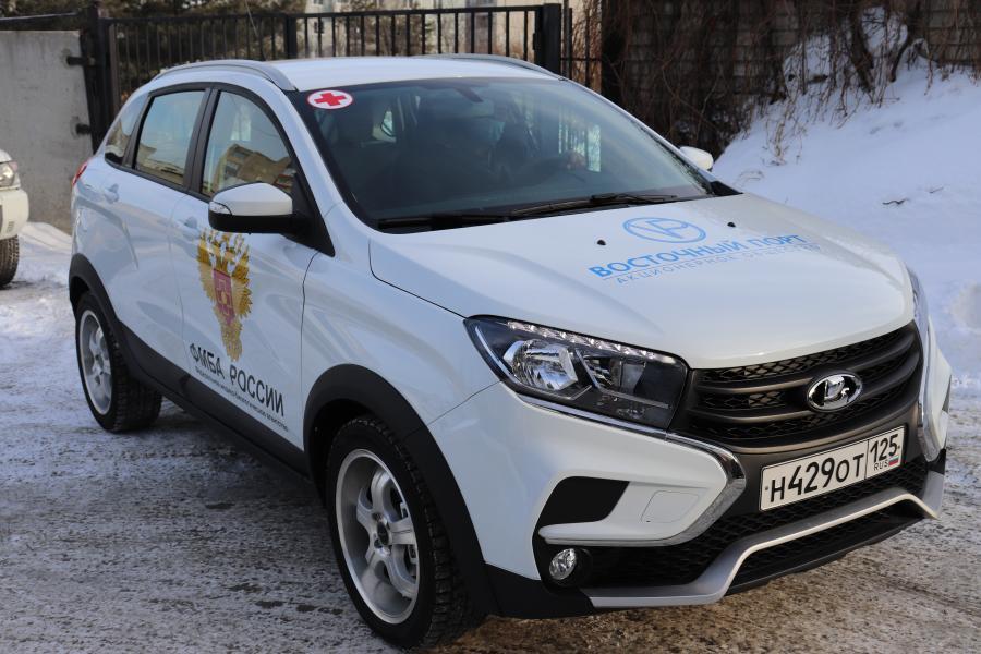 Компания АО «Восточный Порт» передала новый автомобиль больнице Врангеля