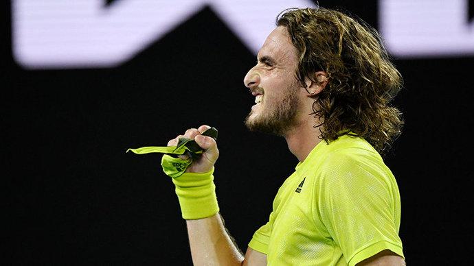 Циципас стал соперником Медведева по полуфиналу Australian Open, отыгравшись с 0:2 по сетам против Надаля