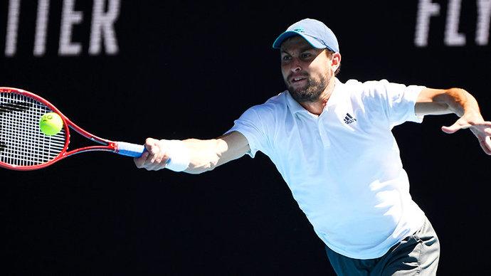 Карацев обыграл Синнера и вышел в полуфинал турнира в Дубае