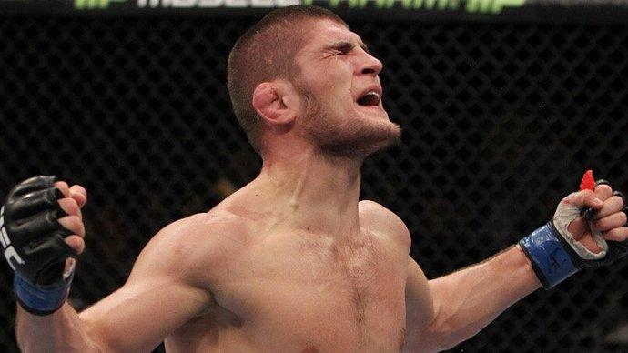 «После победы Хабиба пошли есть лобстеров». Тренер вспомнил первый бой россиянина в UFC