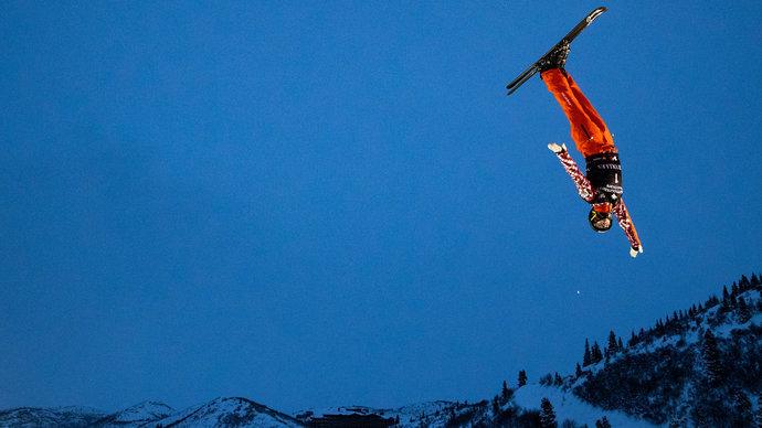 Буров завоевал золото в лыжной акробатике на этапе Кубка мира по фристайлу в Ярославле