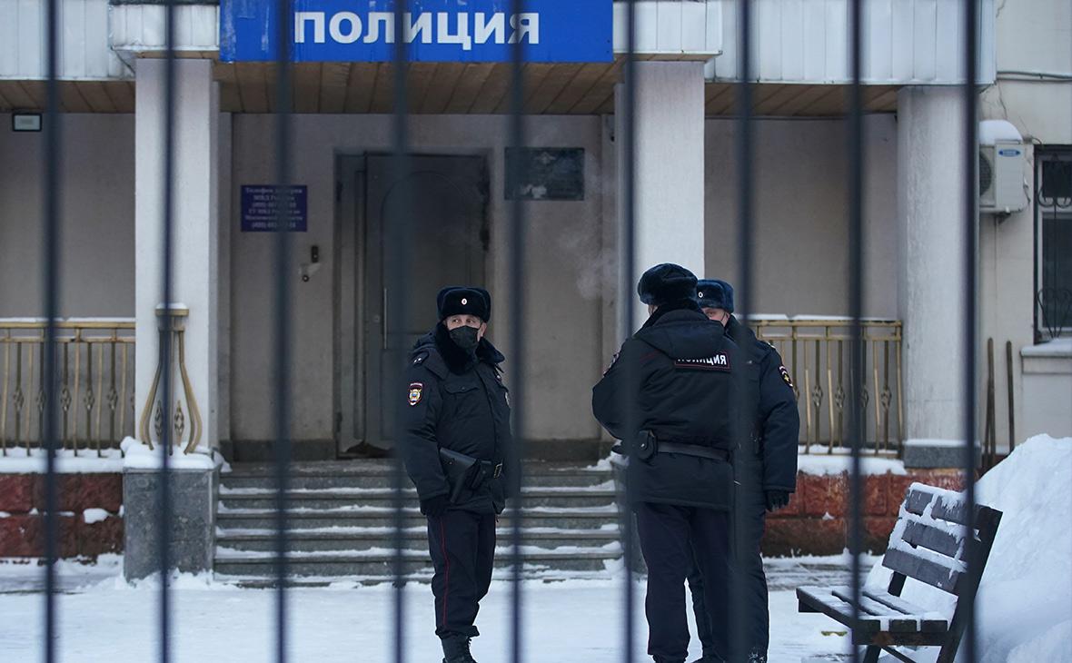 МВД объяснило проведение суда по Навальному в отделении полиции