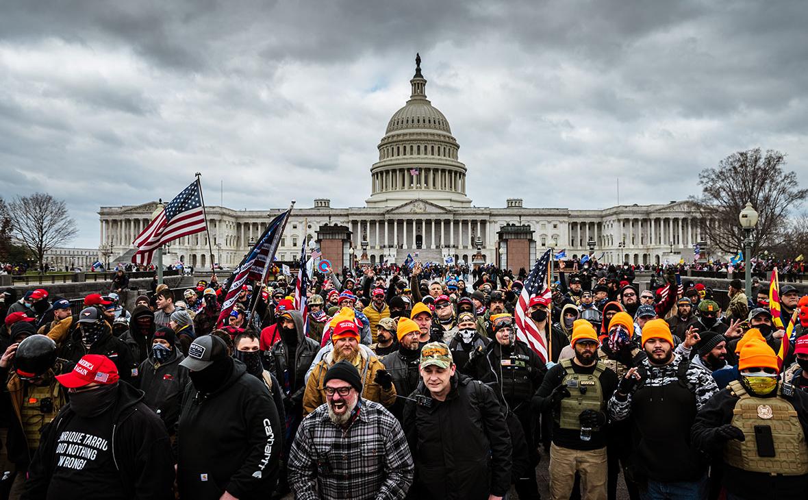 СМИ узнали о предупреждении ФБР о риске вооруженных акций во всех штатах