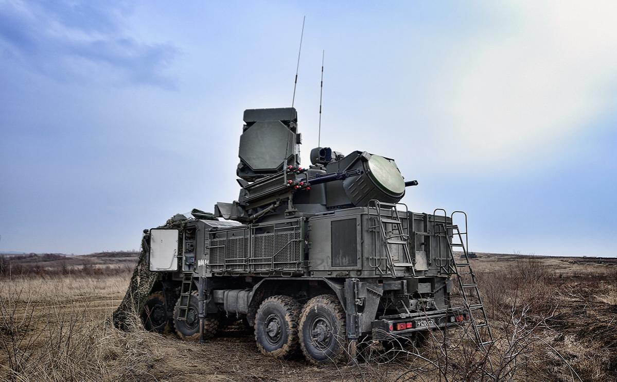 Военные провели учения с «Панцирем-С1» в Крыму