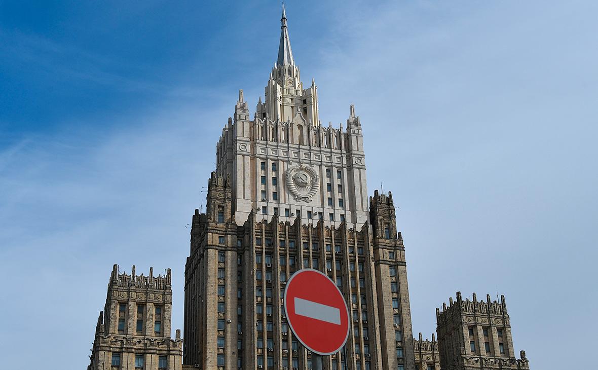 В МИДе пообещали ответить на высылку российского дипломата из Албании