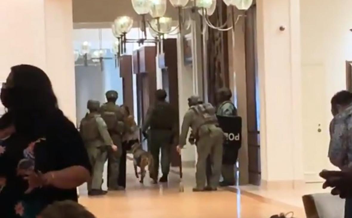 Открывшего стрельбу в гавайском отеле мужчину нашли мертвым