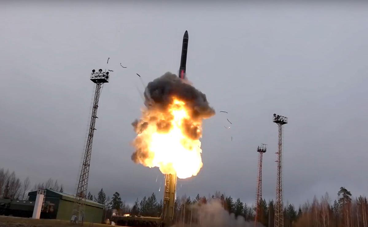 СМИ узнали о согласии России и США продлить договор о ядерном оружии