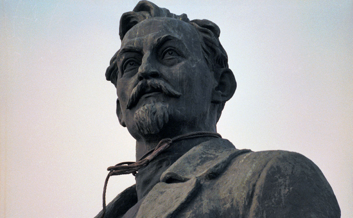 Песков назвал провокационным вопрос о памятнике Дзержинскому на Лубянке