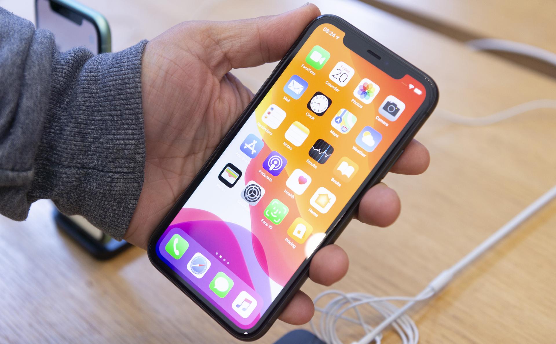 Apple пообещала бесплатный ремонт не реагирующих на касание iPhone 11