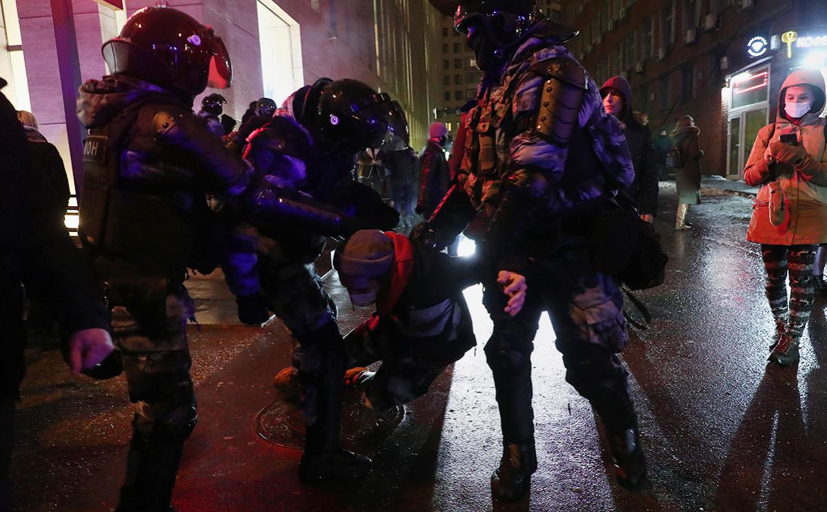Омбудсмен сообщила о задержании 15 несовершеннолетних на акции в Москве