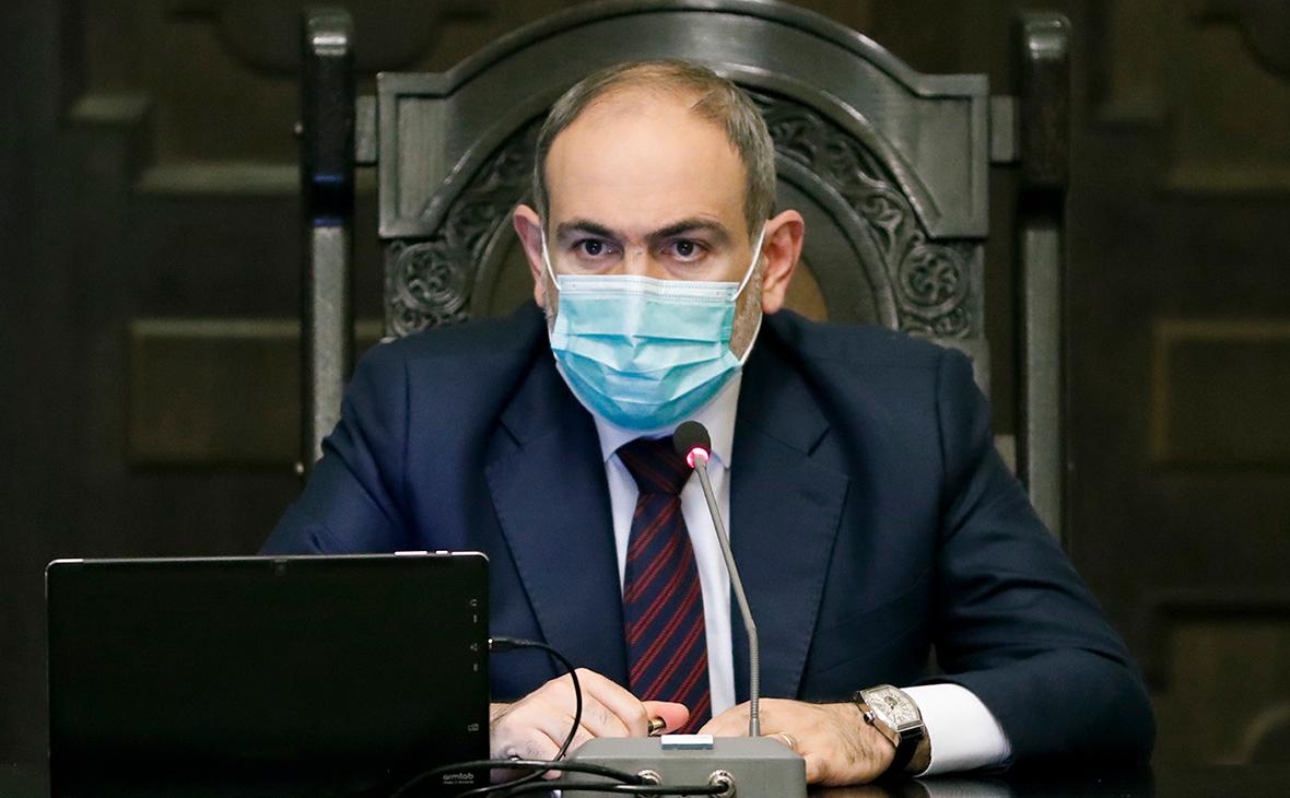 Пашинян заявил о попавших в окружение Азербайджана российских миротворцах