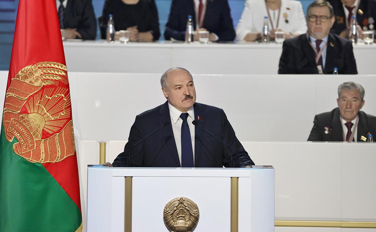 Лукашенко допустил совмещение референдума по Конституции с выборами