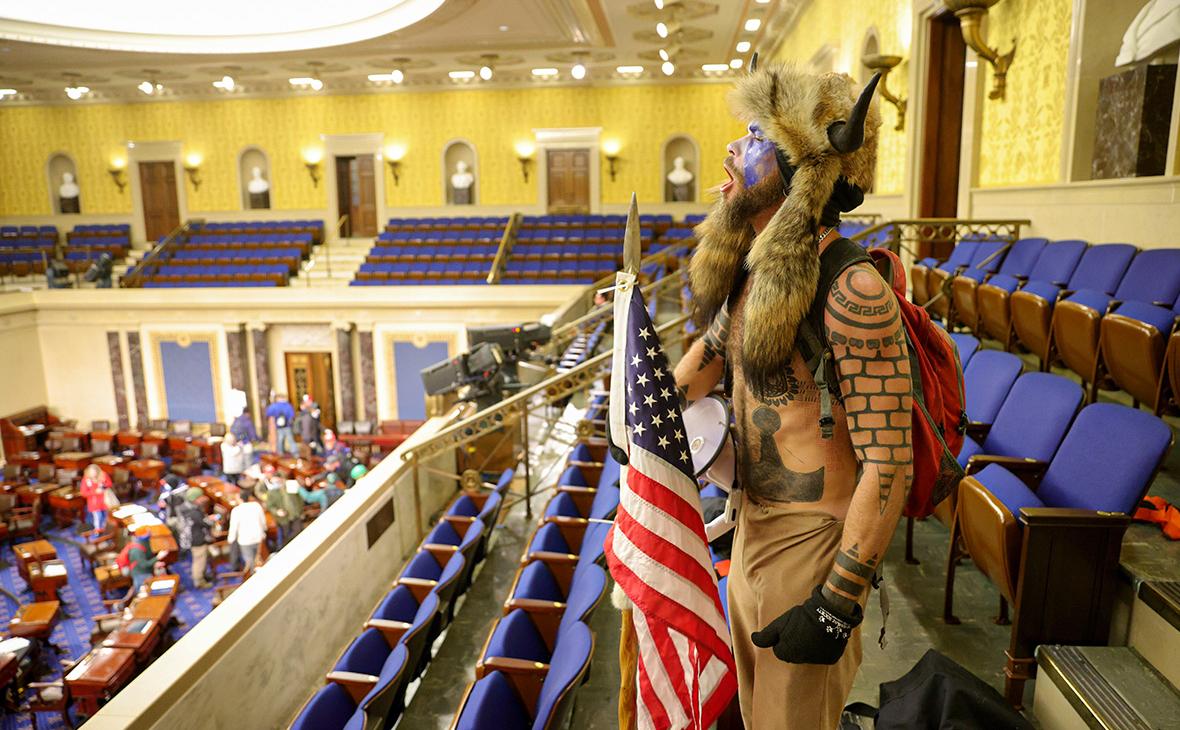 Последствия беспорядков в Конгрессе для Трампа. Главное