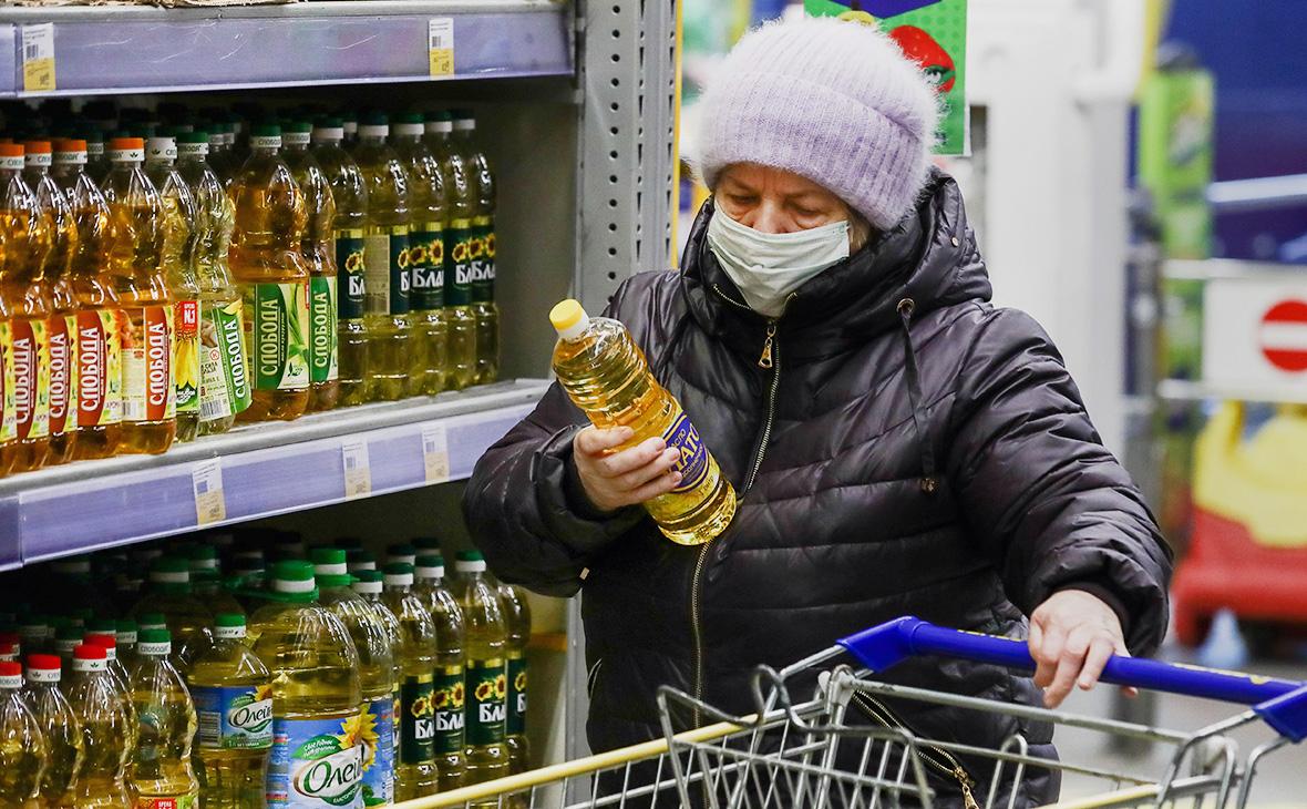 Мантуров заявил о снижении цен на масло и сахар в торговых сетях