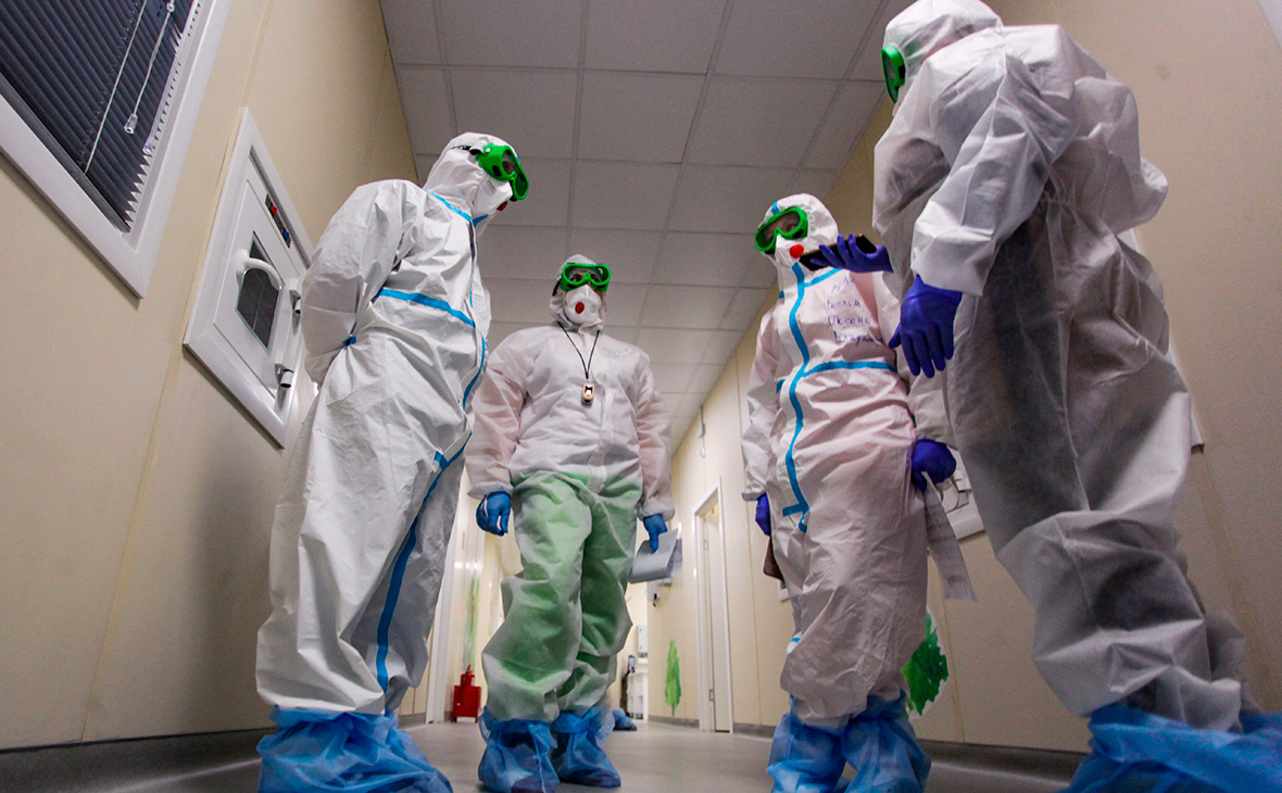 В России за сутки умерли 596 человек с COVID-19