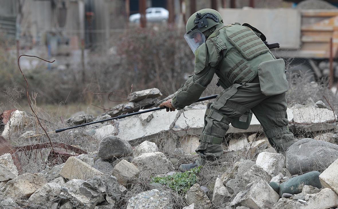 Российские миротворцы разминировали более 70 га местности в НКР