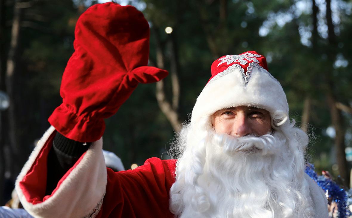 Спрос на Дедов Морозов упал из-за пандемии почти вдвое