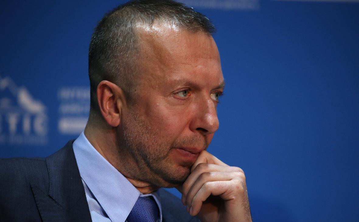 Наследники Босова выиграли суд против нового претендента на его активы