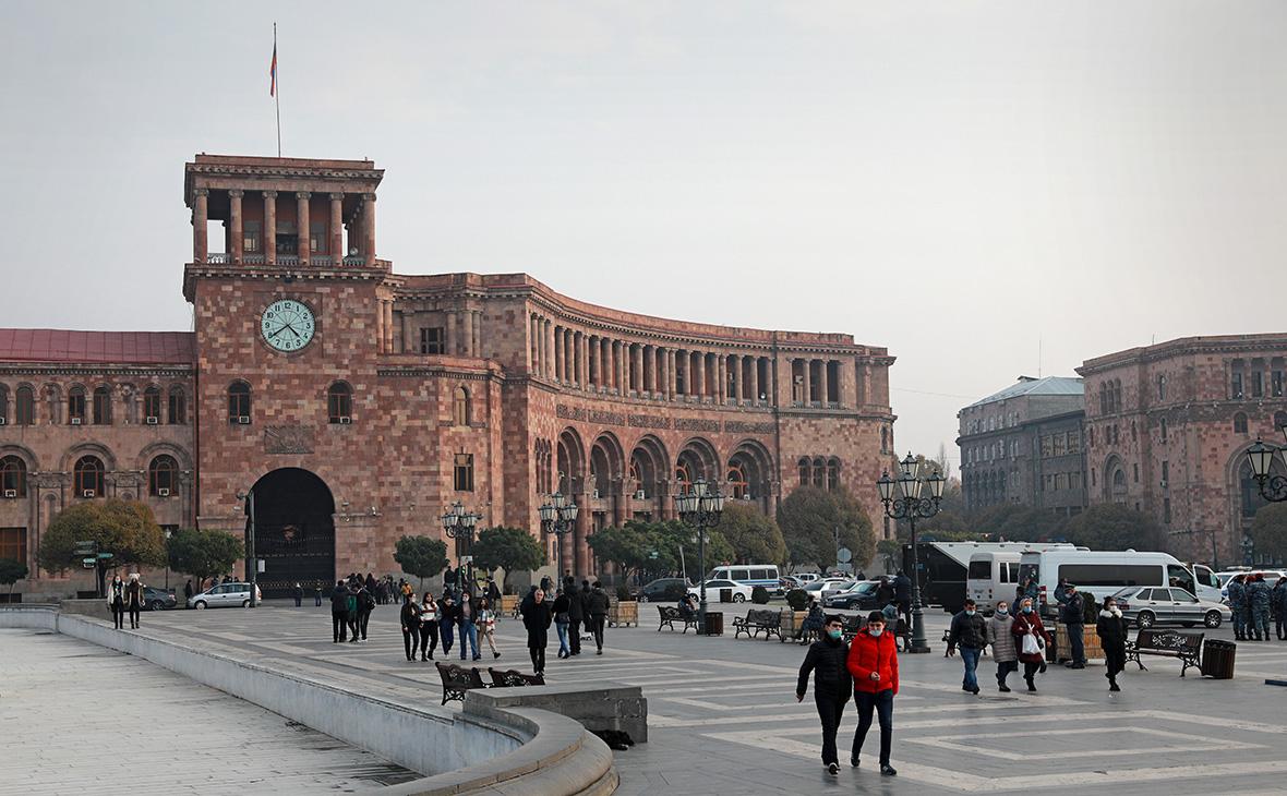 Пашинян объявил трехдневный траур по погибшим в Карабахе