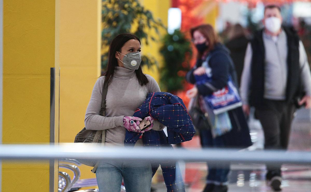 Вирусологи рассказали, когда россияне смогут отказаться от масок