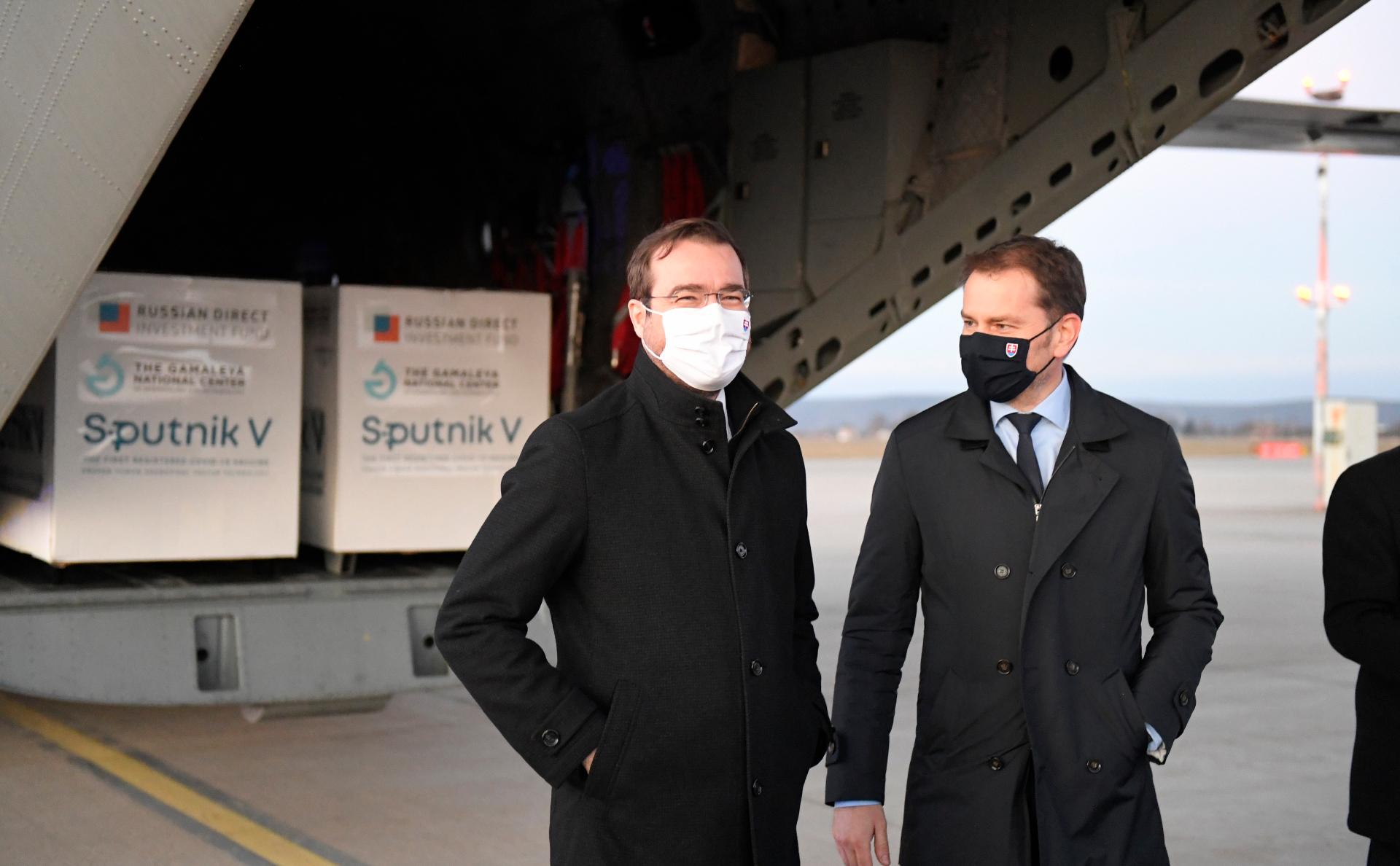 Глава Минздрава Словакии уйдет в отставку из-за скандала со «Спутником V»