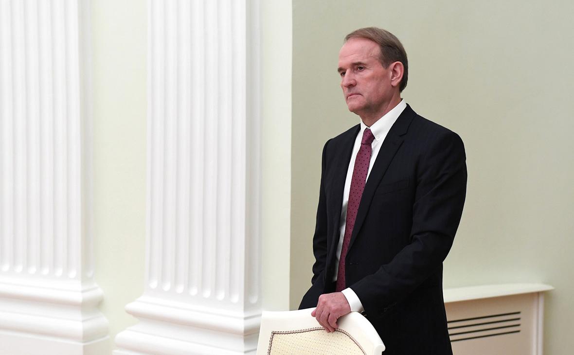 Зеленский утвердил санкции против Медведчука и его жены