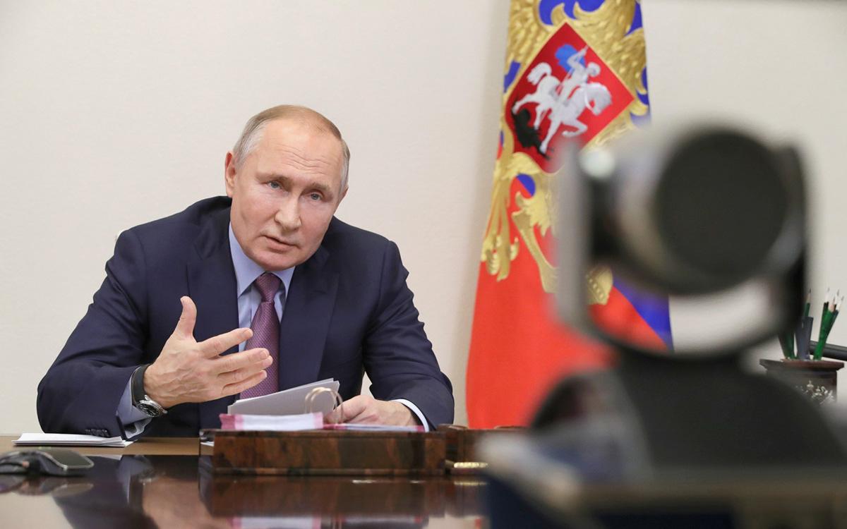 Кремль обозначил сроки решения по возвращению Путина в обычный график