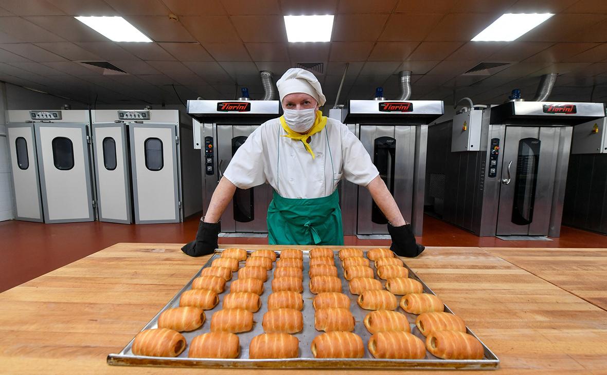 Мантуров заявил о достаточном для трех волн COVID «багаже» промышленности