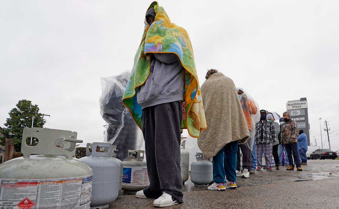 Песков напомнил США о холодах в Техасе фразой «здесь бы газ не помешал»