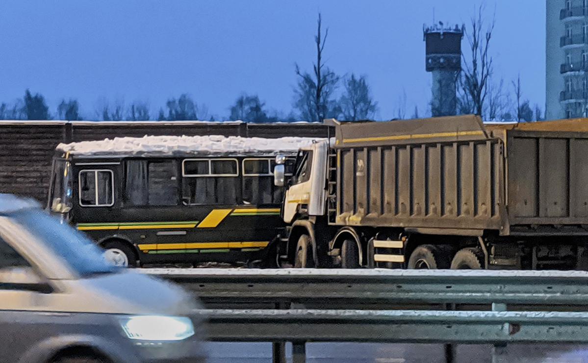 В Подмосковье задержали водителя самосвала после гибели военных в ДТП