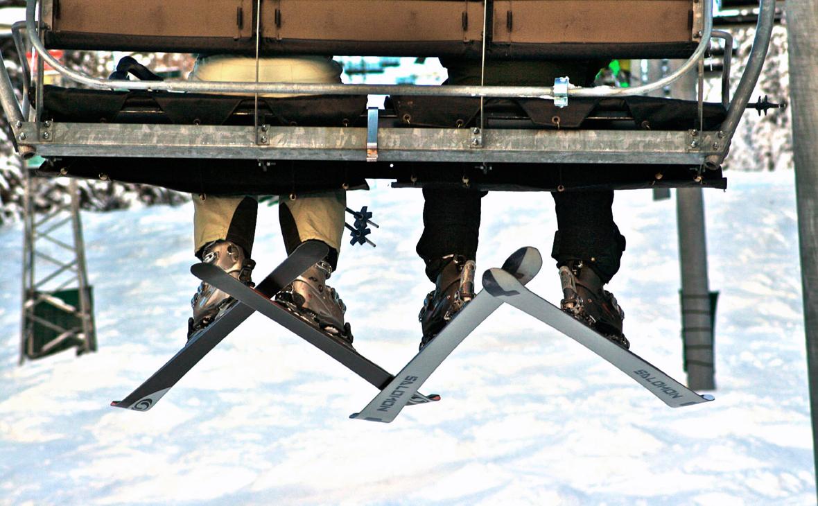 В новогодние праздники резко выросли продажи лыж, коньков и клюшек