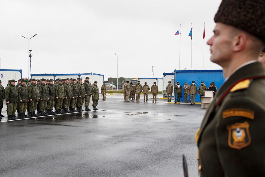 Путин и Алиев обсудили работу русско-турецкого центра в Карабахе