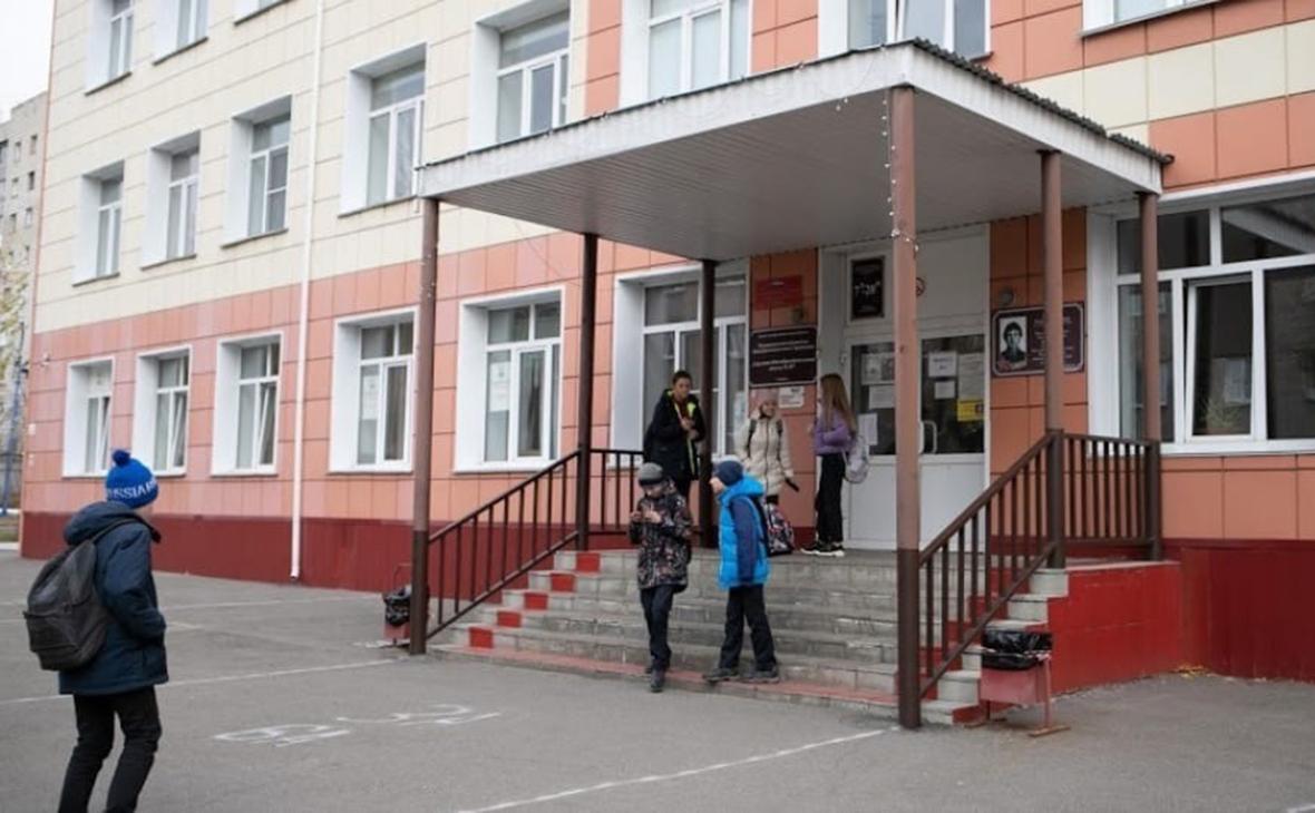 В Барнауле 16 школ отменили занятия из-за сообщений о минировании