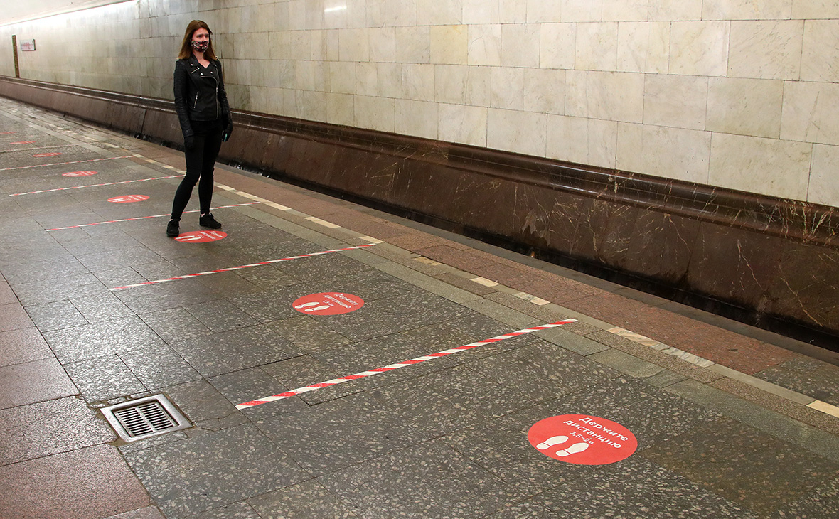 На синей ветке московского метро произошел сбой в движении поездов
