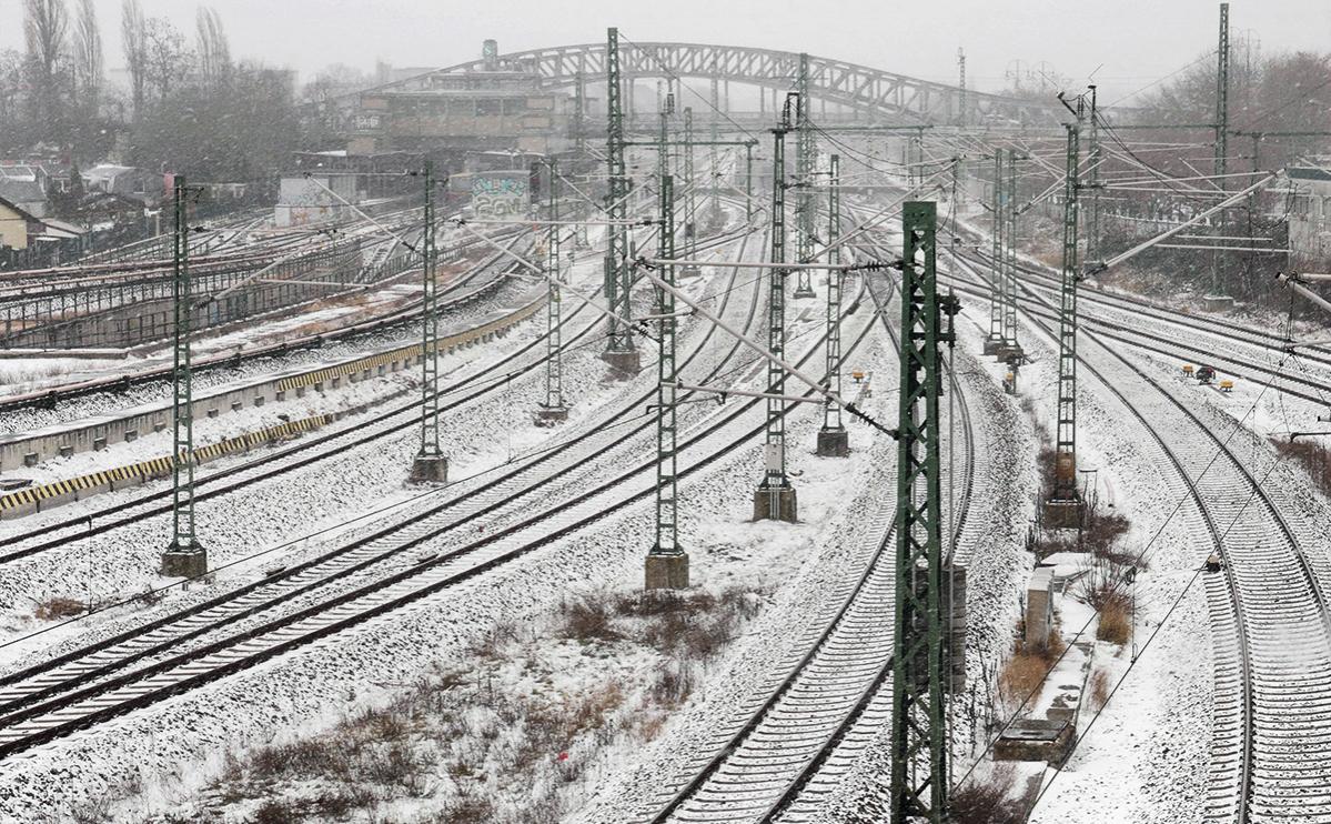 Германия приостановила железнодорожное сообщение из-за снегопада