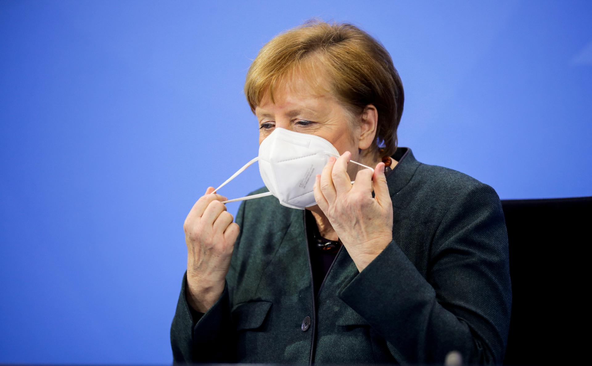 Меркель объявила о продлении карантина до Дня святого Валентина
