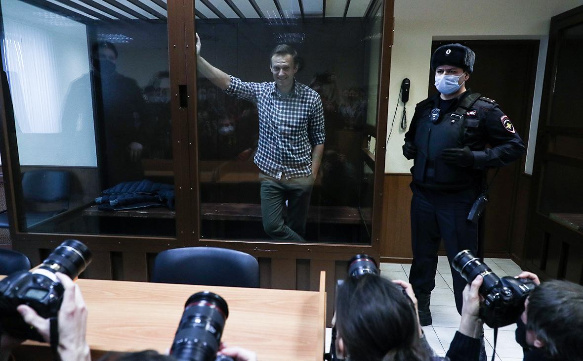 Суд оштрафовал Навального на ₽850 тыс. по делу о клевете на ветерана