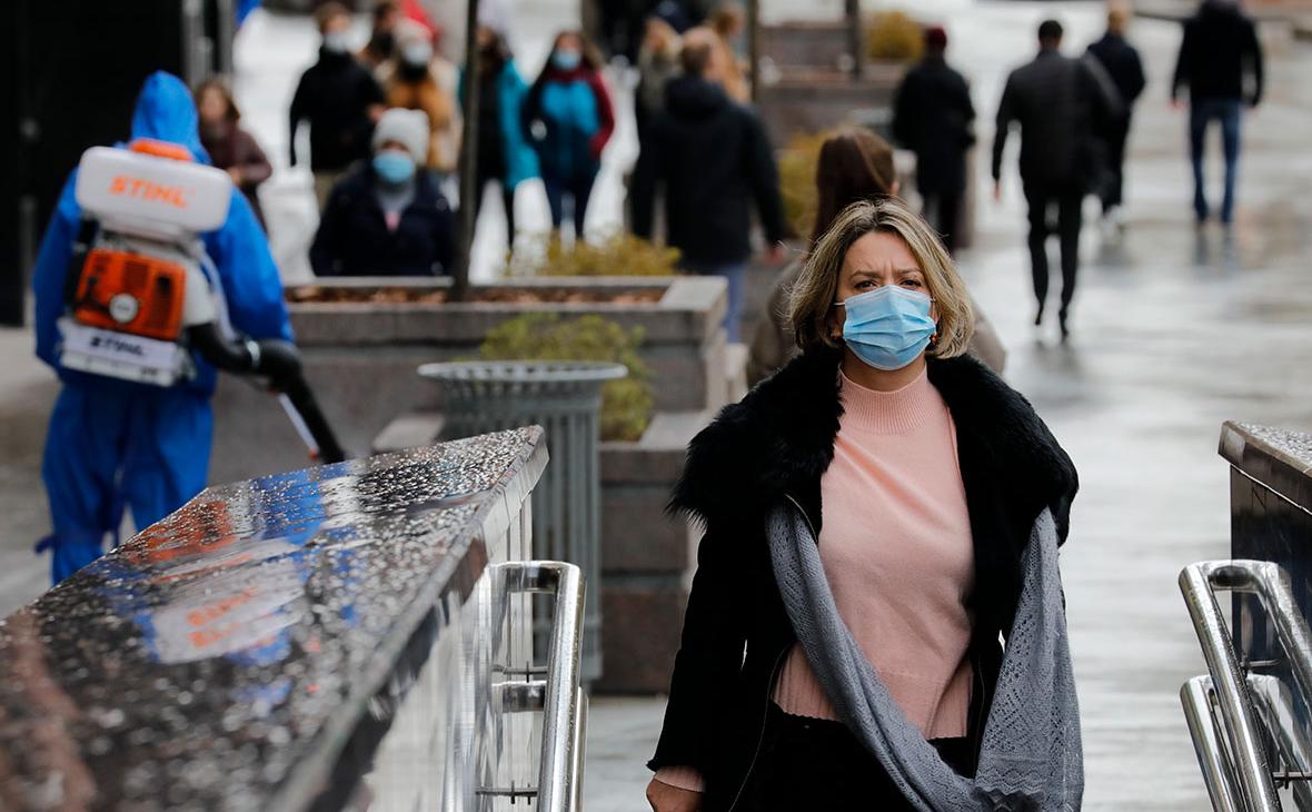 Попова оценила сроки отмены обязательного ношения масок
