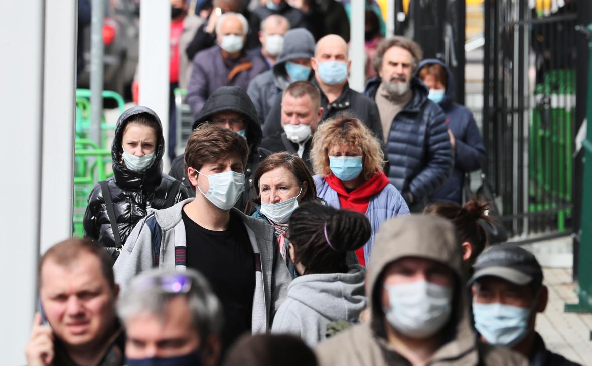 Попова оценила срок окончания эпидемии COVID-19 в России