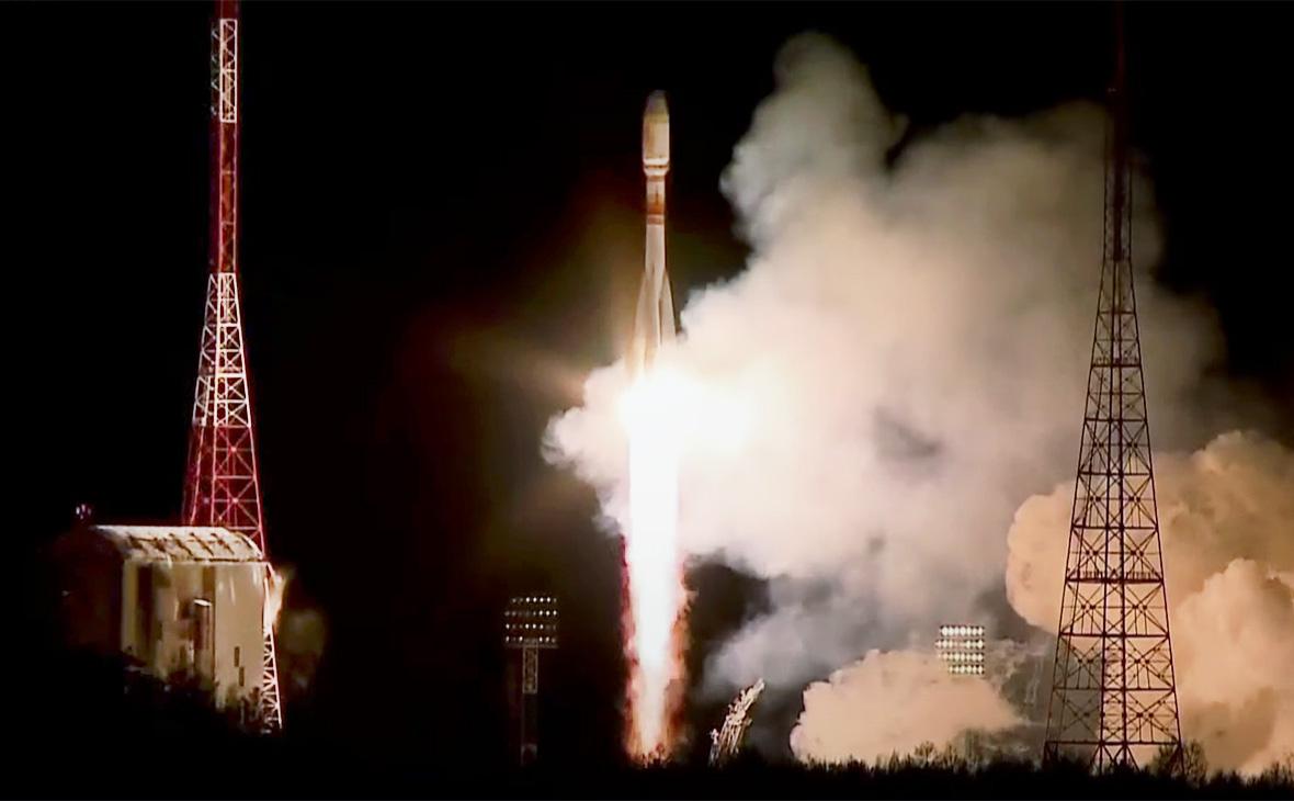 С космодрома Восточный запустили ракету с британскими спутниками OneWeb