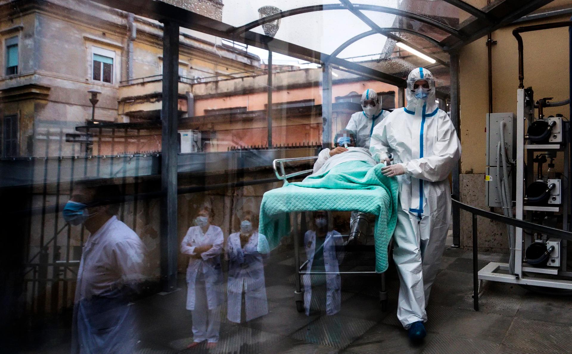 В Москве число умерших из-за COVID-19 превысило 10 тыс. человек