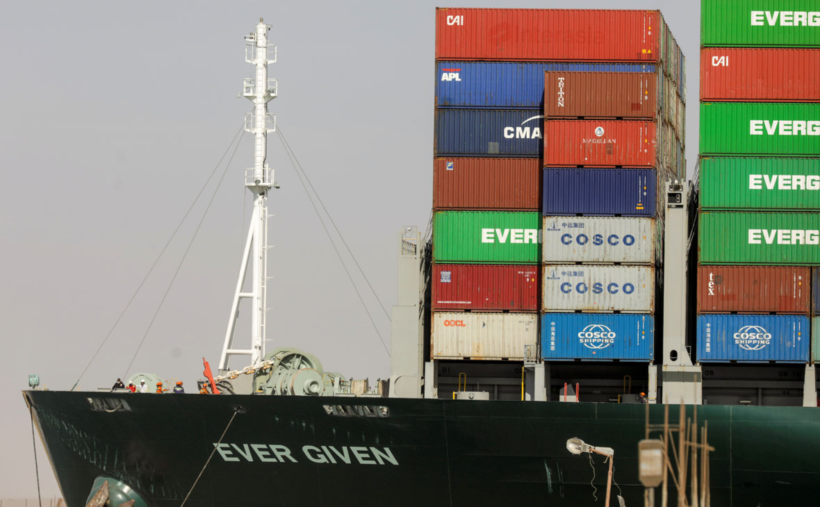 Глава Суэцкого канала обвинил капитана Ever Given в блокировке движения