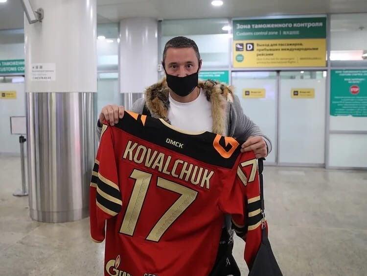 Ковальчук прилетел в Москву. Завтра он приступит к тренировкам с «Авангардом»