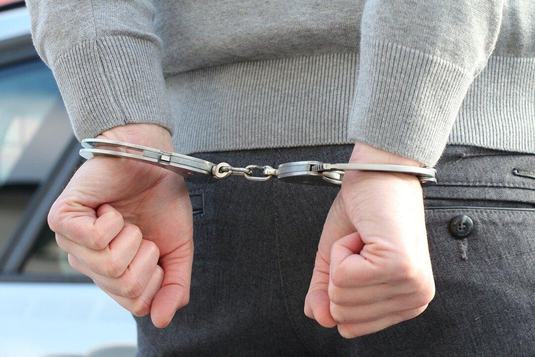 Обанкротившегося поставщика смартфонов для чиновников задержали за хищение 1 млн рублей у «Газпромбанка»