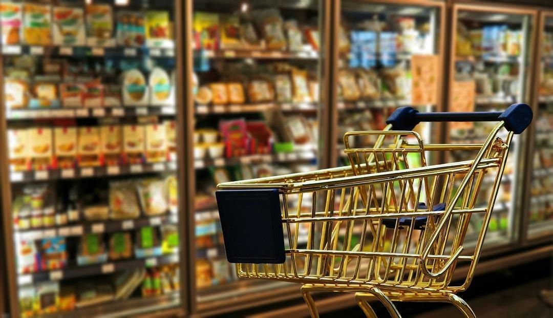 В украинских супермаркетах и кафе запретили обслуживать клиентов на русском языке