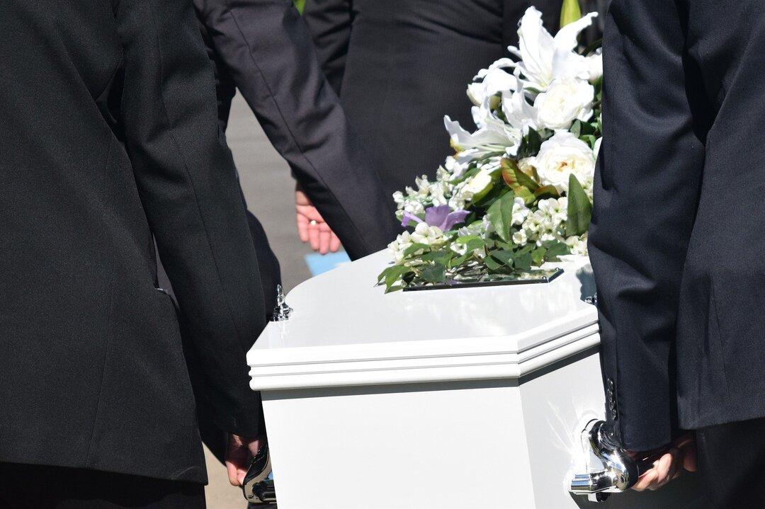 Российский похоронный дом оштрафовали на 20 млн рублей за взятки