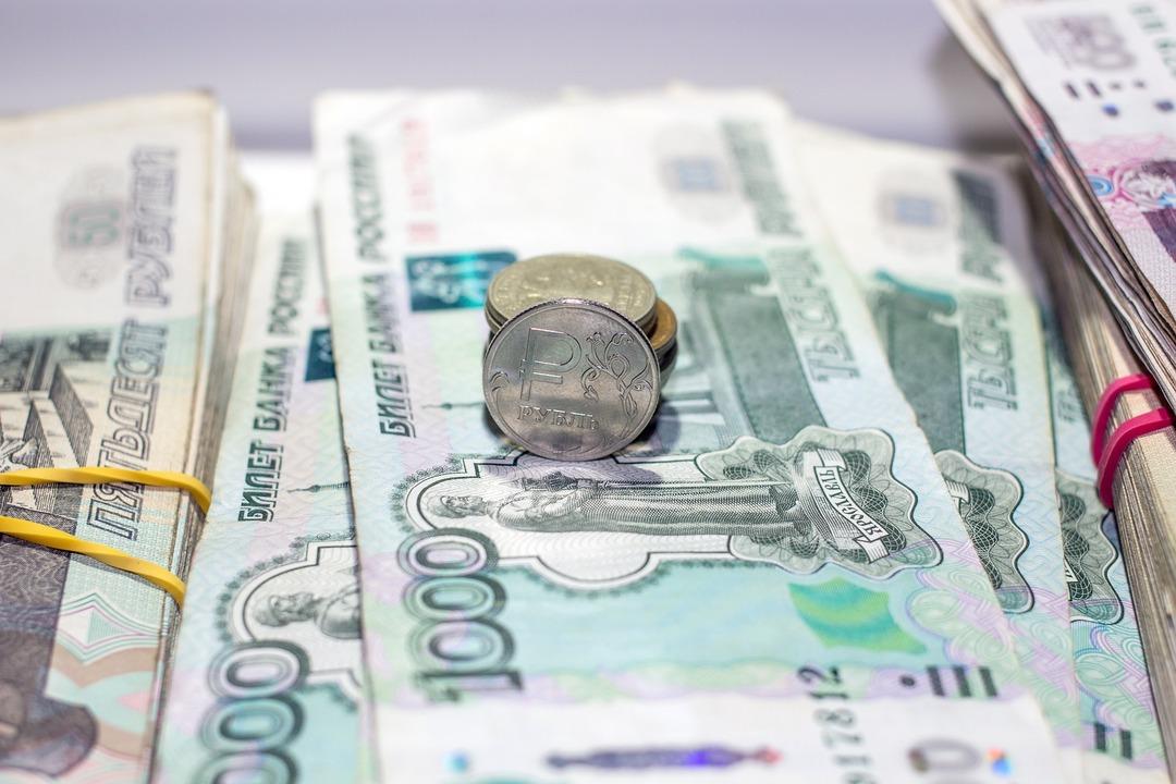 Россияне нашли применение тринадцатой зарплате