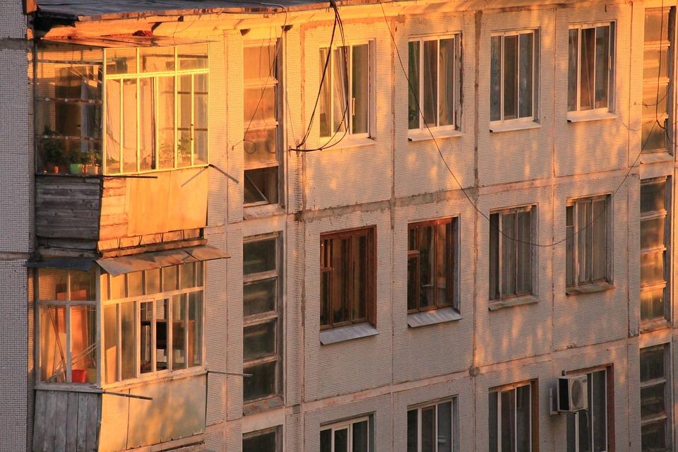 Вторичное жильё в России подорожало более чем на 10% за год