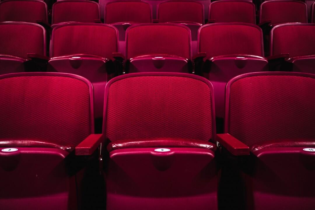 Россиян будут штрафовать на 100 тысяч рублей за съёмку в кинотеатрах